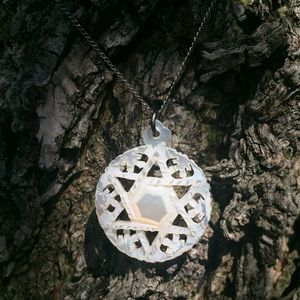 Vintage Silver Mother of Pearl Necklace Star